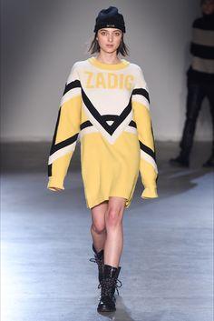 Guarda la sfilata di moda Zadig&Voltaire a New York e scopri la collezione di abiti e accessori per la stagione Collezioni Autunno Inverno 2017-18.