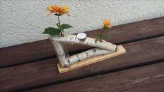 Birkenholz, Blumenvasen und Teelicht