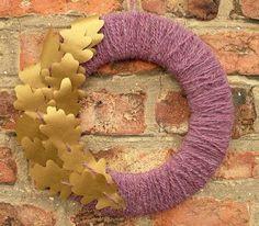 DIY Autumn : DIY Oak Leaf Yarn Wreath