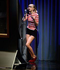 #TaylorSwift at the 2012 VMAs