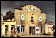 Old cinema hallby ~kakobrutus