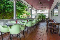 Avila Burger en La Castellana Conference Room, Patio, Outdoor Decor, Table, Furniture, Home Decor, Gourmet, Venezuela, Lifestyle