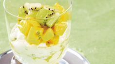 Pikapasha ja hedelmäsalaatti on helppo jälkiruoka, jossa pääsiäispashan maut ja raikkaat hedelmät yhdistyvät herkullisesti. Candy Cookies, Panna Cotta, Mango, Ice Cream, Pudding, Baking, Ethnic Recipes, Desserts, Foods