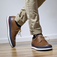 Fabricamos calzado de señora y caballero. Calidad y diseño hecho en España.