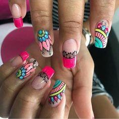 🔈 Chicas algunas ideas para que luzcan sus uñas hermosas este verano 💅🏼🌴🍉🏖😎🏊🏼♀️✈️ Recuerda que en Nails Laura 🇨🇴 me encanta el Nails Art… Chic Nails, Stylish Nails, Shellac Nails, Nail Manicure, Indian Nails, Mandala Nails, Young Nails, How To Grow Nails, Nail Art Rhinestones
