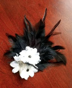 (picture smaller) Image of Black & White Feathers and Flowers Fascinator Hair Clip