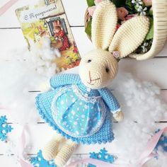 PDF Мама-зайчиха. Бесплатный мастер-класс, схема и описание для вязания игрушки амигуруми крючком. Вяжем игрушки своими руками! FREE amigurumi pattern. #амигуруми #amigurumi #схема #описание #мк #pattern #вязание #crochet #knitting #toy #handmade #поделки #pdf #рукоделие #заяц #зайка #зайчик #зайчонок #зая #зай #rabbit #hare #lepre #conejo #lapin #hase