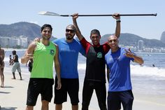 André Martinelli pratica Stand Up Paddle em evento no Rio