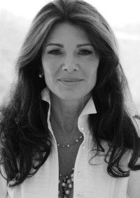 Lisa Vanderpump of The Real Housewives of Beverly Hills Popped Collar, Lisa Vanderpump, Housewives Of Beverly Hills, Exotic Women, Real Housewives, Hollywood Celebrities, Look At You, Girl Humor, Reality Tv