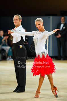 yulia zagoruychenko red dress - Yahoo!検索(画像)