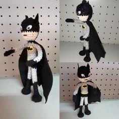 Batman #amigurumi Batman, Wreaths, Halloween, Home Decor, Amigurumi, Decoration Home, Door Wreaths, Room Decor, Deco Mesh Wreaths
