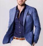 Con el pantalón blanco se focaliza la vista en los colores de la parte superior, que a pesar de ser oscuros y lisos, les hace llamativos y elegantes. /// Curso de inversión en bolsa gratis http://BrokerJunior.com