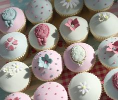 vintage cupcakes. Victoria's Kitchen, boutique bakery. NOT a link to recipe/tutorial.