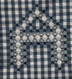broderie suisse: lettre A