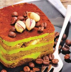 Tiramisu pistache http://www.recette-gateau.eu/tiramisu-pistache/