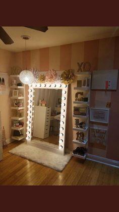 15 Fantastic Vanity Mirror with Lights for Bedroom Ideas Cute Room Decor, Teen Room Decor, Room Ideas Bedroom, Bedroom Decor, Mirror Bedroom, Beauty Room Decor, Makeup Room Decor, Glam Room, Dream Rooms