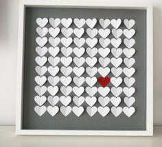 """{tab=Produktbeschreibung}    Unser einzigartiges  3D-Herz-Gästebuch dient nicht nur als Gästebuch für Ihre Hochzeit, sondern auch als Kunstwerk für Ihr Zuhause! Während ein """"normales"""" Gästebuch nach der Hochzeit selten wieder angeschaut wird, da es im Schrank seinen Platz gefunden hat, wird dieses individuelle Kunstwerk Sie jeden Tag an den schönsten Tag in Ihrem Leben erinnern! Ihre Gäste haben die Möglichkeit auf den bereits befestigten Herzen eine kurze Nachricht bzw. I..."""