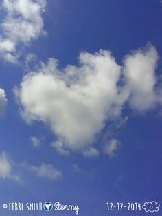 Heart-shaped cloud. Photo by: Terri Smith (Stormy)