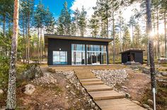 Modern Cabin in Finland Small House Design, Cottage Design, Modern House Design, Home Building Design, Building A House, Contemporary Cabin, Modern Cottage, Shed Homes, Best House Plans