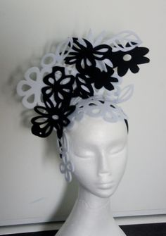 Designer fascinator one of a kind. Black and white cut out felt flowers hand sewn on headband races, cup fashions on the feild by TwistedInTheTropics on Etsy Fascinator Hats, Headpiece, Black Headband, Felt Flowers, Hand Sewn, That Look, Black And White, Handmade, Etsy