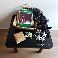 A storytelling basket that creates magic. This story basket is based on the book Tane and the stars by Ron Bacon and Manu Smith. The props and basket. Sisters Images, Preschool Activities, Preschool Kindergarten, Traditional Stories, Small World Play, Play Based Learning, Table Set Up, Early Literacy, Sensory Play