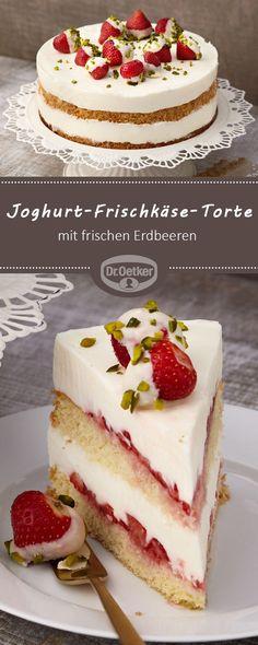 Joghurt-Frischkäse-Torte mit Erdbeeren: Eine sahnige Torte mit frischen Erdbeeren und einer leckeren Joghurtcreme #frischkäsetorte #torte #erdbeertorte