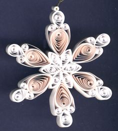 Bi-color quilled snowflake