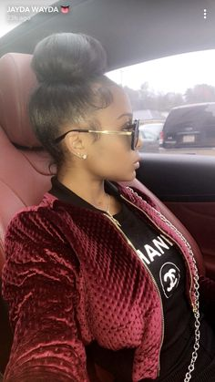 Love This Messy Bun For A Chic Casual Look African American Beauty