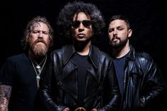 GIRAFFE TONGUE ORCHESTRA Feat. ALICE IN CHAINS, MASTODON, THE DILLINGER ESCAPE PLAN Members: 'Blood Moon' Song