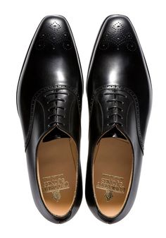 Such a handsome pair of leather Wingtips. Never go out of style...