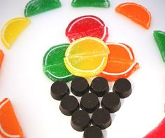 Don't forget to eat #fruits today! #fruitjelly  #chocolate N'oubliez pas de manger votre dose de  #fruits quotidienne !  #chocolat #gelee fruits