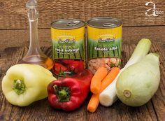 Mancare de fasole alba si legume la cuptor Stuffed Peppers, Vegetables, Food, Stuffed Pepper, Essen, Vegetable Recipes, Meals, Yemek, Stuffed Sweet Peppers