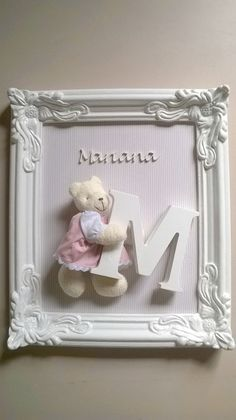 Repurposed old picture and window frames. DIY project and decoration ideas. How to create decor with picture and window frames. Baby Crafts, Diy And Crafts, Craft Gifts, Diy Gifts, Diy Y Manualidades, Baby Frame, Frame Crafts, Girl Nursery, Nursery Room