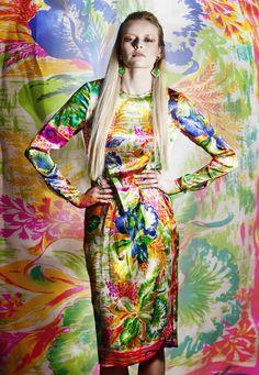 "Susana Jacobetty: FASHION VIEW ""FLOWER POWER"""