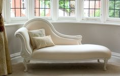 Classical White Chaise Longue. Sweet Pea and Willow