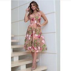 Vestido Midi DEUSO! Tamanhos P e M✔️ Compre pelo site: www.maboboutique.com.br✔️ Mais inf. 17 991847003✔️ #maboboutique #roupas #cloude #midi