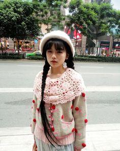 l00stars:  We Heart It の Street Fashion | via Tumblr。 http://weheartit.com/entry/65247209/via/PastelYellow