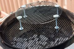 Pit Barrel Cooker Grate Modification - Grilling a third grate for a weber smokey mountain smoker Outdoor Smoker, Outdoor Grilling, Grilling Ideas, Weber Smokey Mountain Cooker, Smoker Designs, Ugly Drum Smoker, Pit Barrel Cooker, Weber Kettle, Charcoal Bbq Grill
