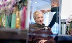 Women Treated for Cancer Get a New Outlook From Coloring Their Hair - NYTimes.com