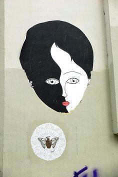 Face street art black and white by Fred le chevalier, smot - street art - Paris 20 - rue de la mare