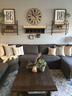 The rustic living room wall decor is indeed very eye-catching as well as lovely. Right here is a collection of rustic living room wall decor. Modern Farmhouse Living Room Decor, Interior Design Living Room, Living Room Designs, Farmhouse Decor, Modern Living, Country Modern Decor, Rustic Living Room Furniture, Minimalist Living, Living Room Remodel