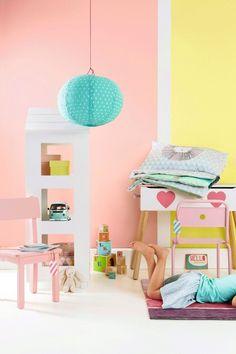 Lámpara papel para habitación infantil en tonos pastel