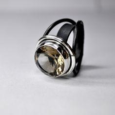smoky quartz silver ring  -ALBERTO DÁVILA-   -- check out the bright difference in polished silver vs oxidized.