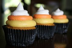 Pumpkin Pie Cupcakes with Cinnamon Maple Cream Cheese Frosting in Candy Corn colors!