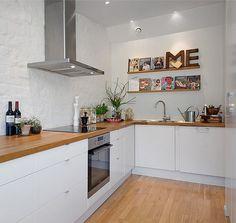 Trendy Kitchen Colors For Walls Paint Oak Cabinets Butcher Blocks Ideas Kitchen Dinning, Kitchen Paint, New Kitchen, Kitchen Decor, Upper Cabinets, Kitchen Cabinets, Oak Cabinets, White Cabinets, Swedish Kitchen