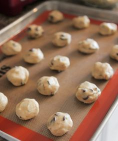 Chocolate chip cookies, Chip cookies and Oreo on Pinterest