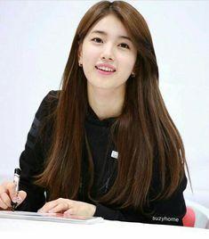Suzy 171104 Fansign on Gwangju Korean Beauty, Asian Beauty, Miss A Suzy, Bae Suzy, Asian Hair, Korean Actresses, Ulzzang Girl, Beautiful Actresses, Kpop Girls