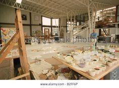 Abstract expressionist painter Willem de Kooning in his studio in 1965. Stock Photo