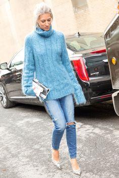 Pin for Later: 8 einfache Outfits, die nie aus der Mode kommen Jeans und ein grober Strickpulli
