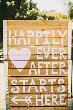 Rustic Wood Pallets Wedding Sign / http://www.deerpearlflowers.com/rustic-wood-pallets-in-your-wedding/